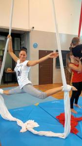 Akrobatyka na powietrznych szarfach i kołach dla dorosłych Katowice (1) (Copy)