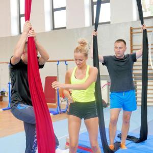 Akrobatyka na powietrznych szarfach i kołach dla dorosłych Katowice (11) (Copy)