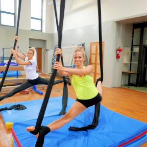 Akrobatyka powietrzna na szarfach i kołach dla dorosłych