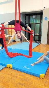 Akrobatyka na powietrznych szarfach i kołach dla dorosłych Katowice (26) (Copy)